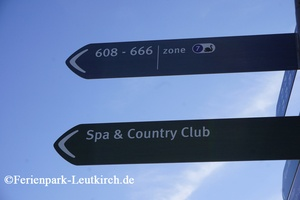 Wegweiser zum Deep Nature SPA im Center Parcs Allgäu Ferienpark Leutkirch