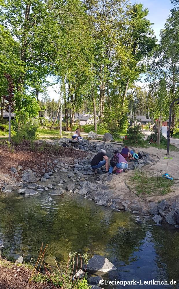 Wasserlauf beim Spielplatz Center Parcs Park Allgäu